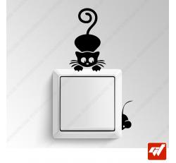Sticker - chat qui chasse une souris